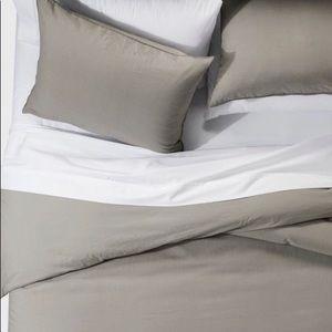 Project 62 Bedding - NWT Project 62/Nate Berkus washed linen duvet set
